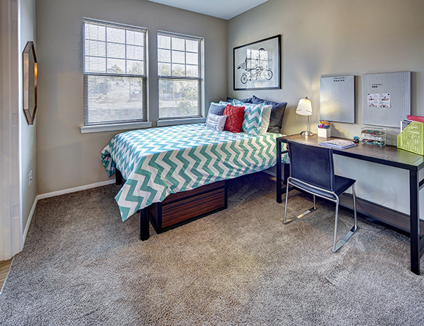 Bedroom of 7th Street Station near Oregon State University in Corvallis, OR 97333
