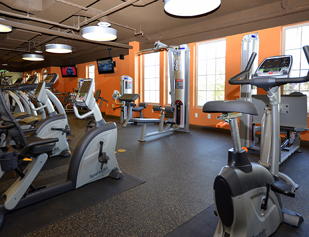 Fitness center at West 27th Place