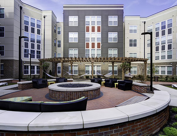 View of the courtyard at University Pointe