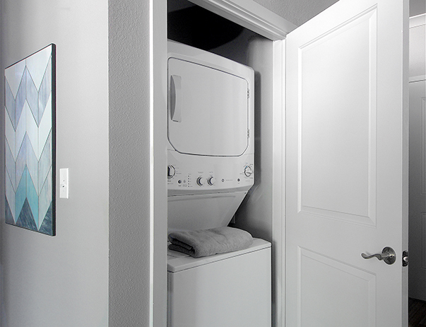Full-sized washer & dryer at University Pointe.