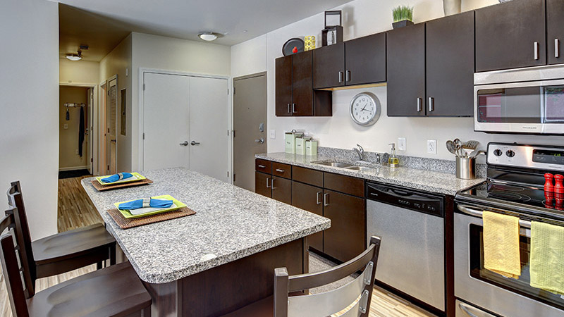 West lafayette in student housing student apartments for Kitchen design 47905