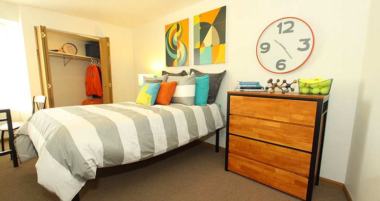Student Apartments in Champaign, IL near UIUC | American Campus