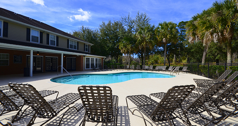 Gainesville fl student housing student apartments for Best housing at uf