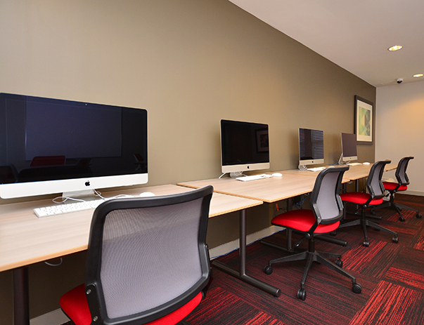 Computer Center with iMacs at Cardinal Towne