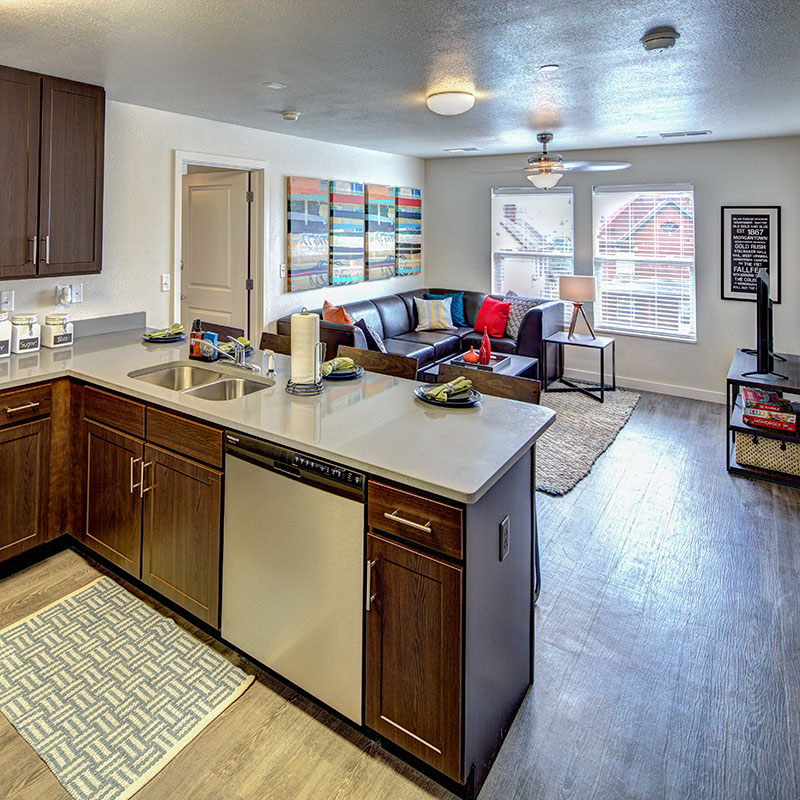 Campus Club Apartments: 2 & 4 Bedroom Apartments Near WVU