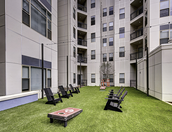 Outdoor lounge at Callaway House Apartments