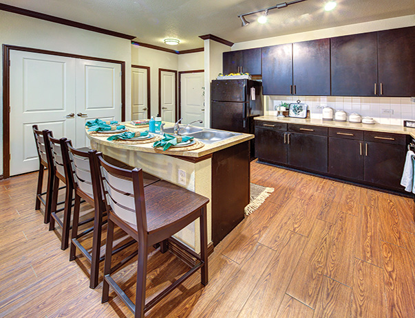 Fully equipped kitchen at Vistas San Marcos near Texas State University in San Marcos, TX 78666