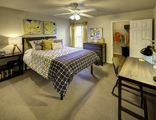 Spacious bedroom at Villas on Sycamore