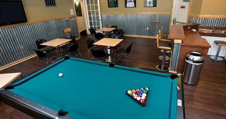 Recreation center with billiards at Peninsular Place