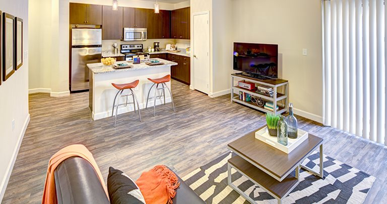 Fully furnished apartments at Crest at Pearl near UT Austin