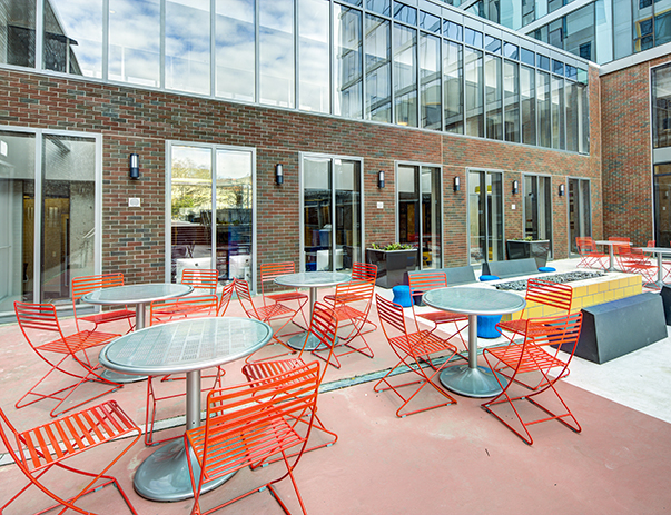 Courtyard patio at The Summit at University City near Drexel University