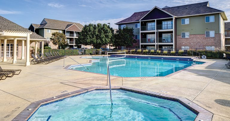 Pool and sun deck at Raiders Pass in Lubbock, TX near Texas Tech University