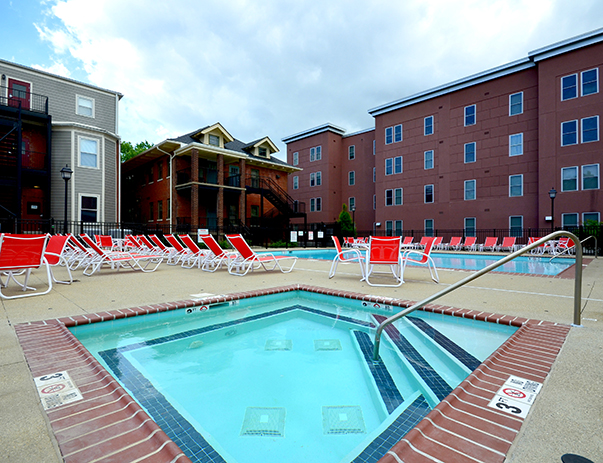 Swimming pool and sundeck at Cardinal Towne