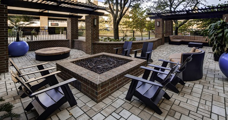 Outdoor lounge at 601 Copeland near Florida State University