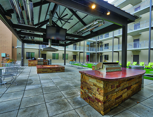 Photo gallery lofts54 student housing champaign il for Terrace parent lounge