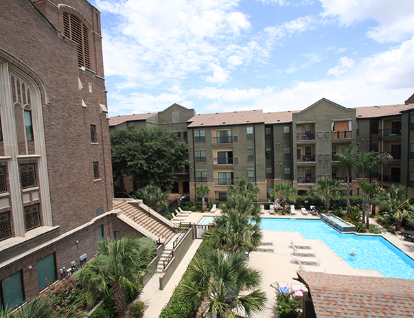 Exterior view of Sanctuary Lofts in San Marcos, TX near Texas State University