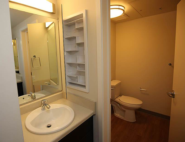 Spacious bathroom at Lakeside Graduate Housing