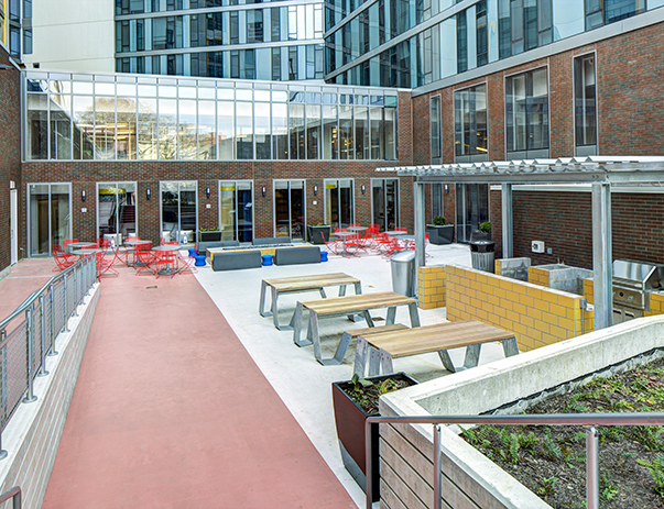 Courtyard patio at The Summit at University City
