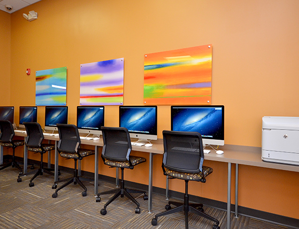Computer Center with iMacs at Park Point