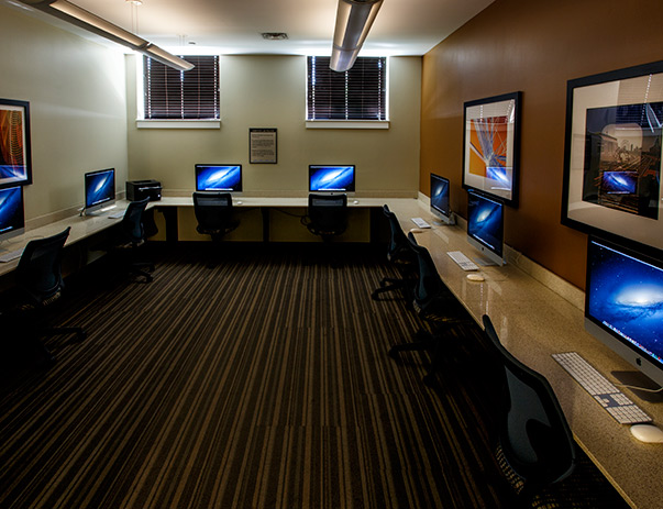 Academic Success Center with iMacs at Dolphin Cove