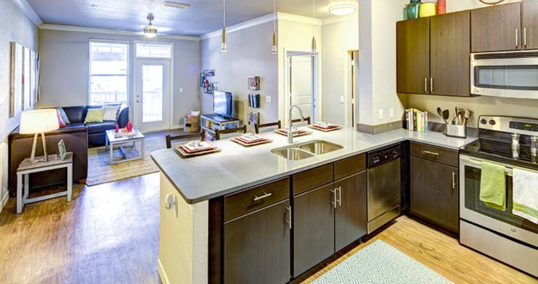 Fully equipped kitchen at 160 Ross near Auburn University