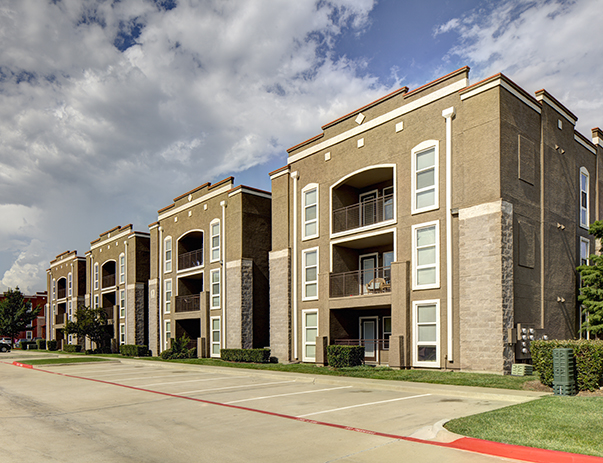 Exterior view of Uptown Apartments near the University of North Texas in Denton, TX