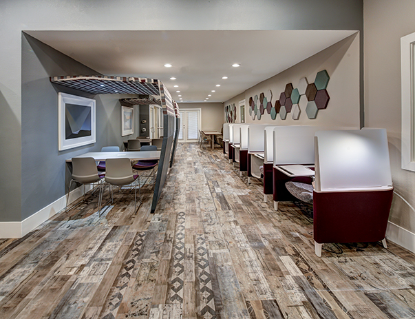 Academic Success Center with iMacs at Uptown Apartments in Denton, TX near University of North Texas