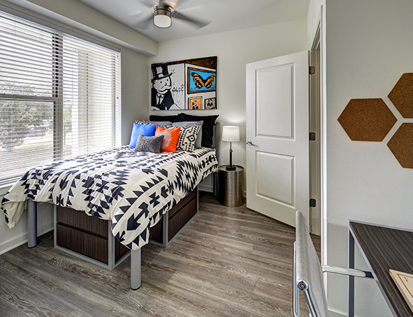 Bedroom at Callaway House Apartments