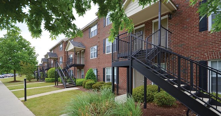 Exterior view of Pirates Place Townhomes near East Carolina University