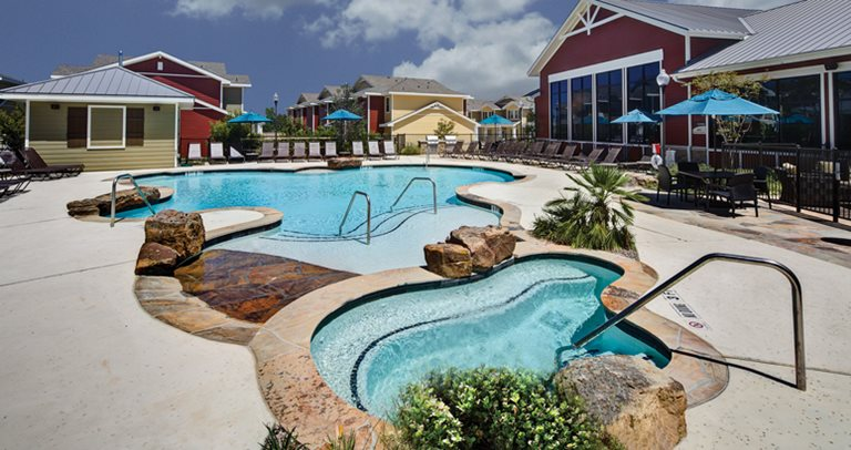 U club townhomes on marion pugh student housing - Swimming pools in college station tx ...