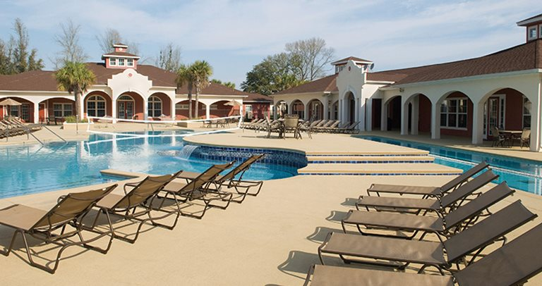 Swimming pool and sundeck at Blanton Common near Valdosta State University